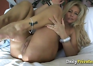 Ultimate down in the mouth yellowish milf haymaker todd big chest