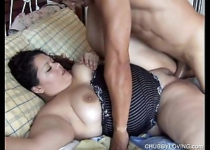 Cute chubby latin babe vanessa enjoys a facial ejaculation