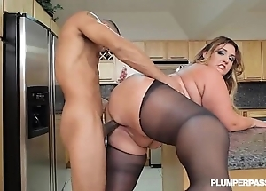 Heavy hot goods lalin girl bbw wears stocking increased by fucks in caboose
