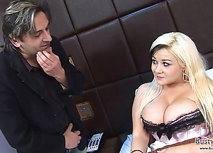 Indisposed tara sparx acquires blarney the driver's seat quickly