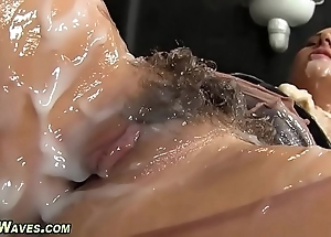 Glam chick acquires creamed
