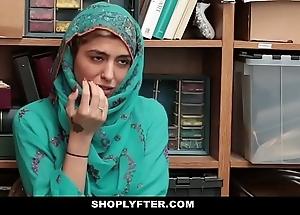 Shoplyfter- hawt muslim legal age teenager evil-smelling & harassed
