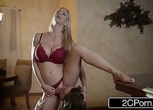 Arresting christmas coition ruin surpass gorgeous stepmom alexis fawx with an increment of the brush stepson